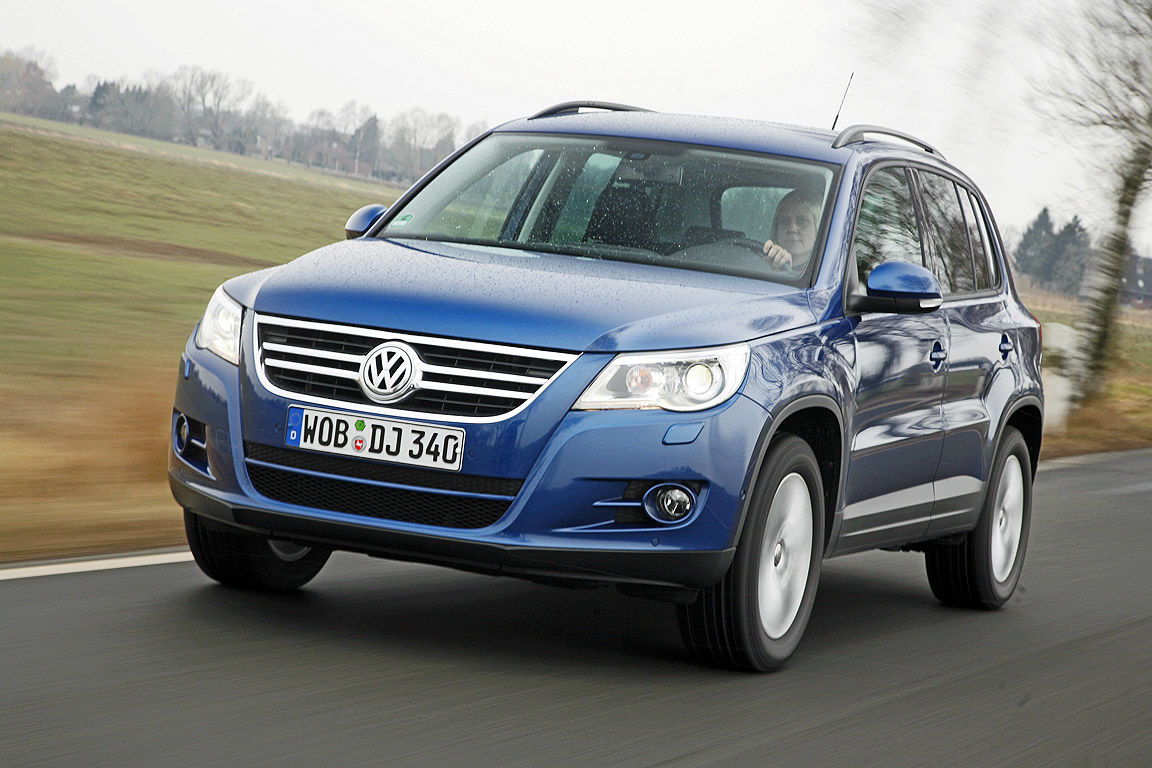 auto bild vw tiguan. Black Bedroom Furniture Sets. Home Design Ideas
